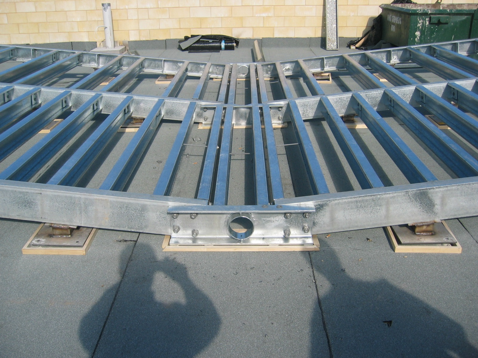 Steel cradle to support fibreglass swimming pool